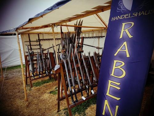 Rabenbanner-Stand